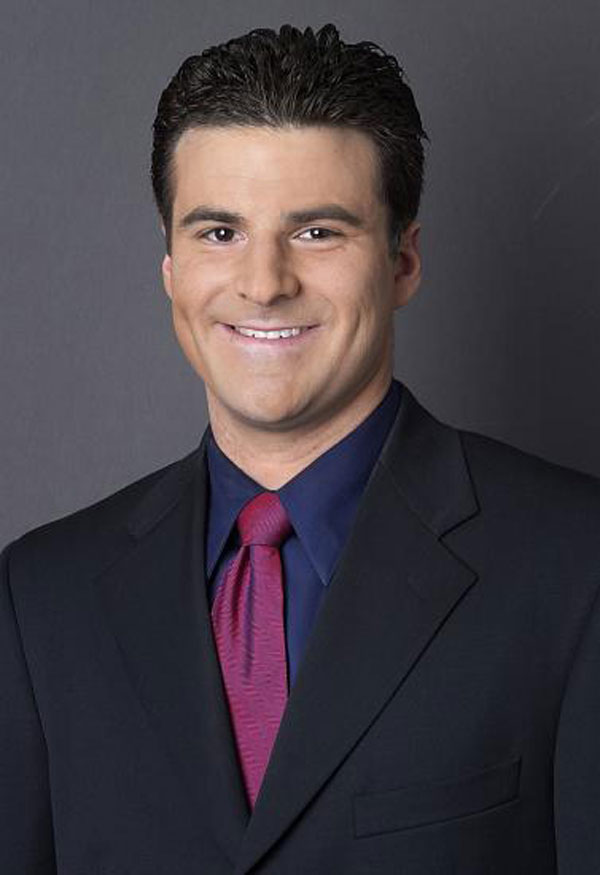 ESPN sports business journalist, Darren Rovell, press photo.
