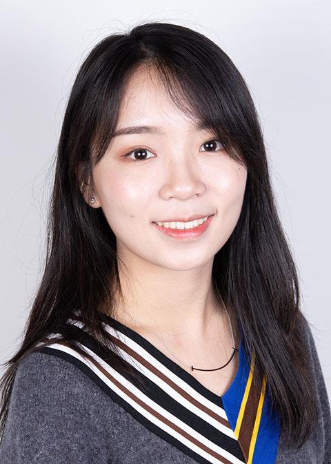 Studio headshot for Jessica Luo