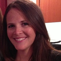 Headshot of alumni member Erin Stranges