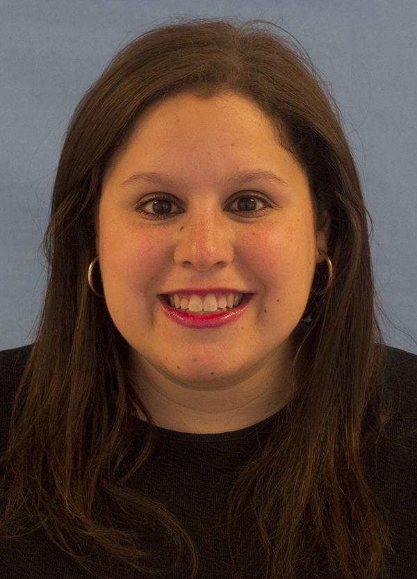 Headshot of alumni member Suzanne Schulner